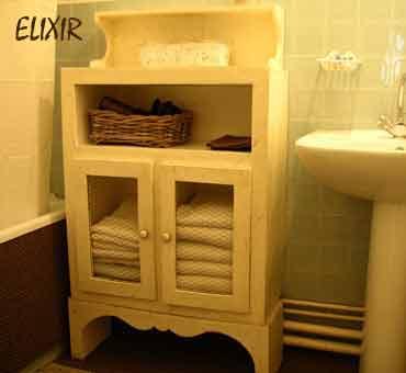 Elixir meuble de rangement pour la salle de bain en for Creation meuble salle de bain